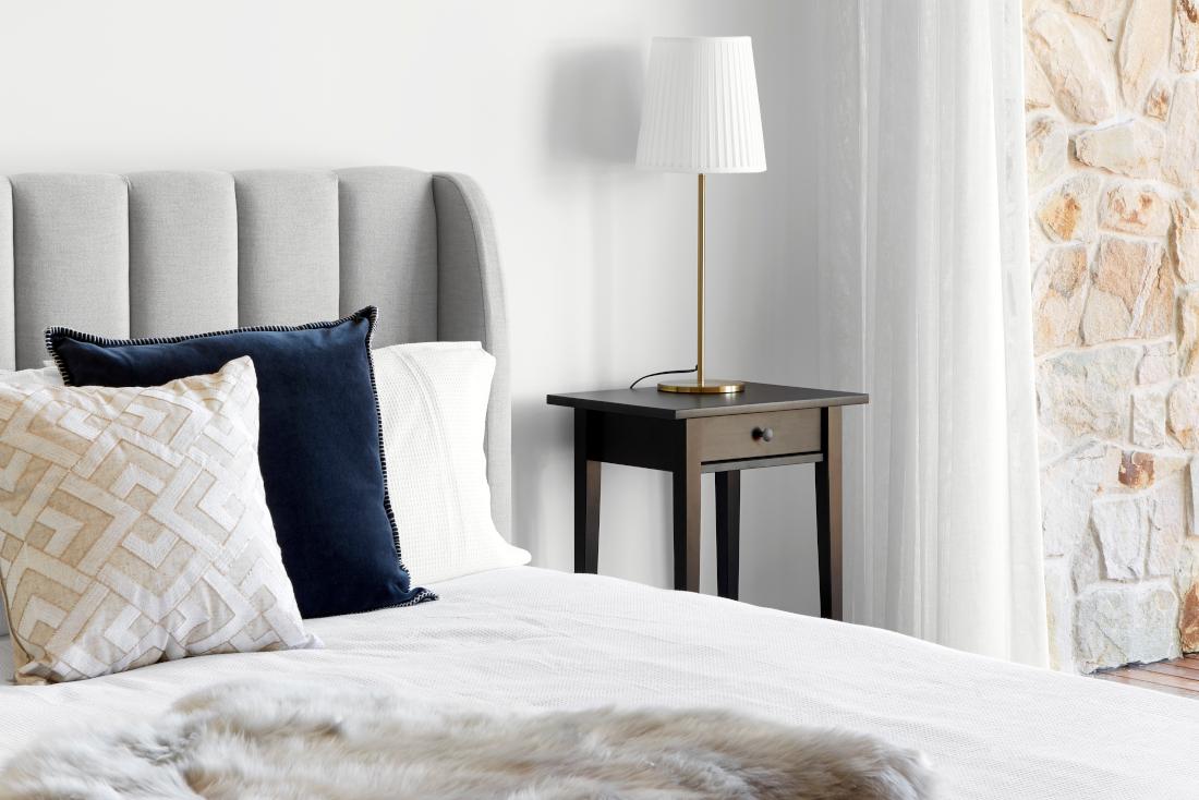 A modern bedroom in Newenham